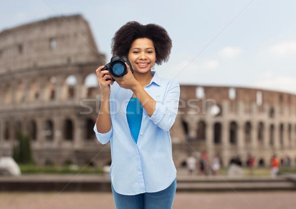 Gelukkig afro amerikaanse vrouw digitale camera reizen Stockfoto © dolgachov