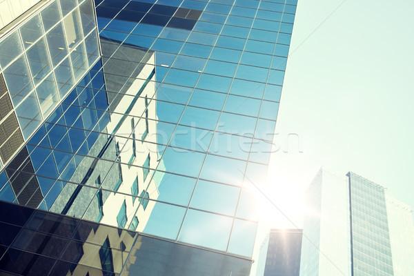 Immeuble de bureaux gratte-ciel ciel architecture externe Photo stock © dolgachov