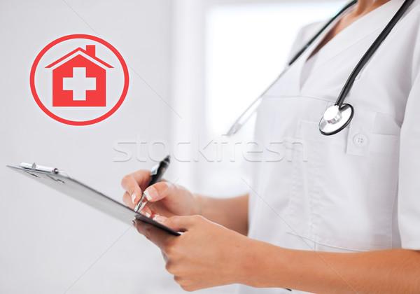 女性 医師 聴診器 処方箋 医療 医療 ストックフォト © dolgachov