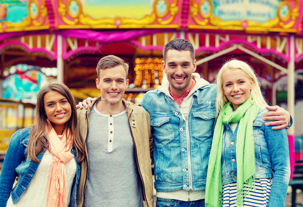 グループ 笑みを浮かべて 友達 遊園地 レジャー 友情 ストックフォト © dolgachov