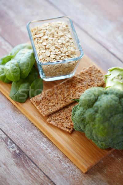Comida rico fibra mesa de madeira alimentação saudável Foto stock © dolgachov