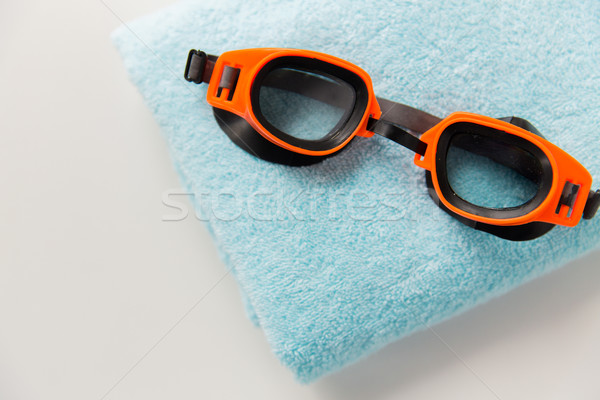 Zwemmen stofbril handdoek sport fitness Stockfoto © dolgachov