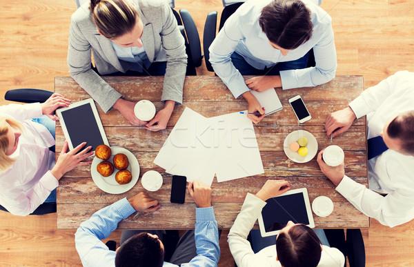 Equipo de negocios potable café almuerzo gente de negocios Foto stock © dolgachov