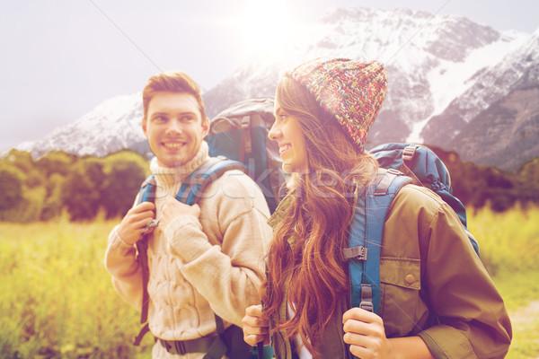 Foto d'archivio: Sorridere · Coppia · escursioni · avventura · viaggio · turismo