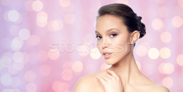 Imagine de stoc: Faţă · frumos · asiatic · femeie · inel