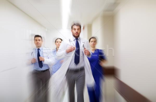группа ходьбе больницу люди медицина Сток-фото © dolgachov