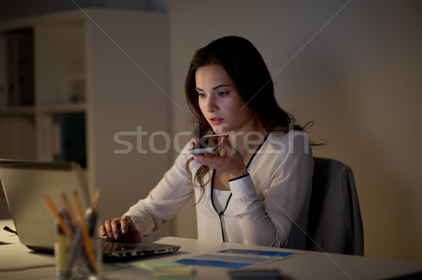 Vrouw stem commando smartphone business Stockfoto © dolgachov