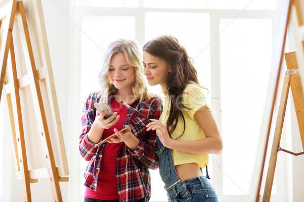Smartphone kunst studio school technologie mensen Stockfoto © dolgachov