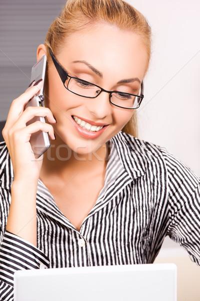 Foto stock: Oficina · nina · Foto · teléfono · celular · negocios · mujer
