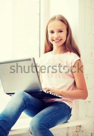 Zdjęcia stock: Dziewczyna · laptop · pc · szkoły · edukacji · technologii