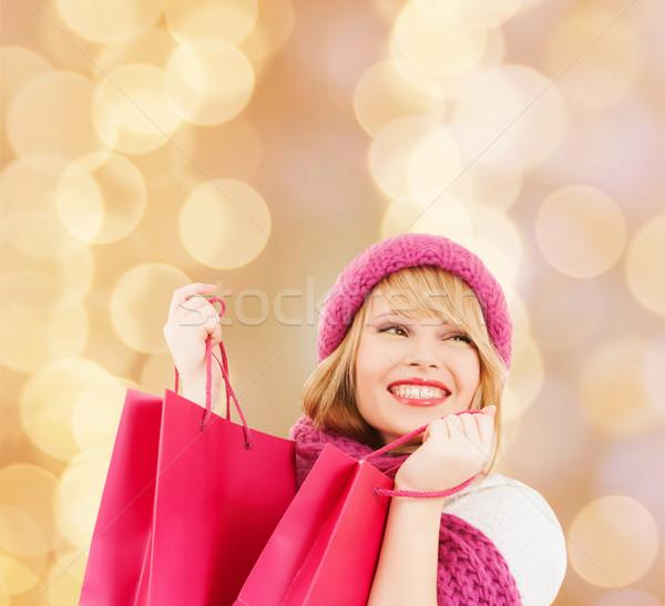 Stockfoto: Glimlachend · jonge · vrouw · geluk · winter · vakantie