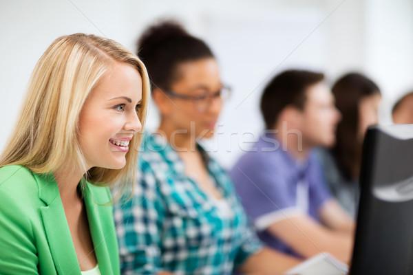Stok fotoğraf: Öğrenciler · bilgisayarlar · eğitim · okul · eğitim · teknoloji