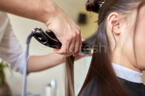 Stilist ijzer kapsalon schoonheid kapsel hot Stockfoto © dolgachov