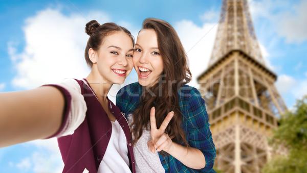 счастливым друзей Эйфелева башня люди путешествия Сток-фото © dolgachov