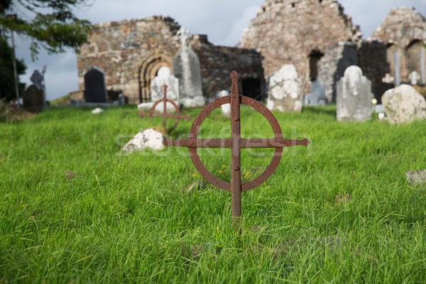 Vecchio tomba cross celtic cimitero Irlanda Foto d'archivio © dolgachov