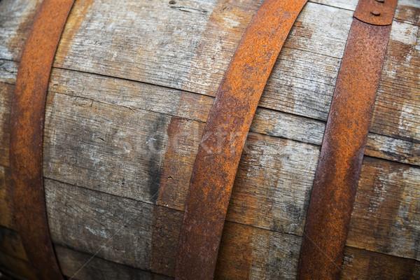 Vecchio legno barile esterna stoccaggio Foto d'archivio © dolgachov
