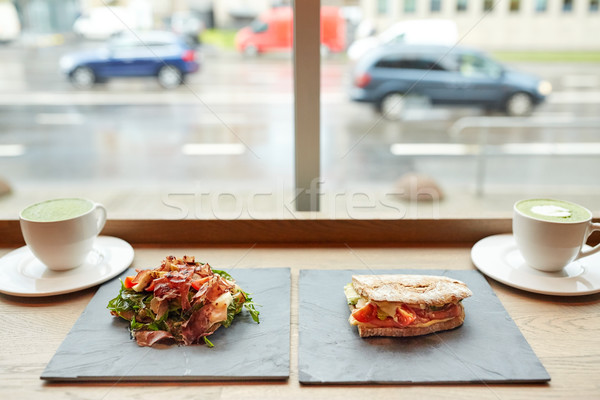Saláta szendvics zöld tea éttermi étel vacsora konyha Stock fotó © dolgachov