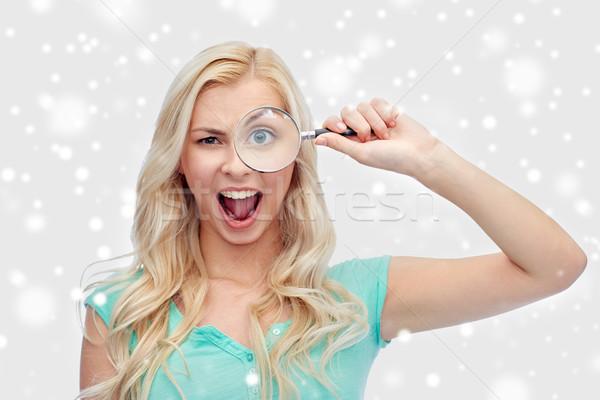 Stockfoto: Gelukkig · jonge · vrouw · vergrootglas · visie · exploratie · onderzoek