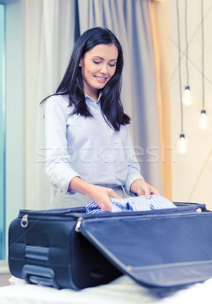 Işkadını işler bavul iş teknoloji Stok fotoğraf © dolgachov