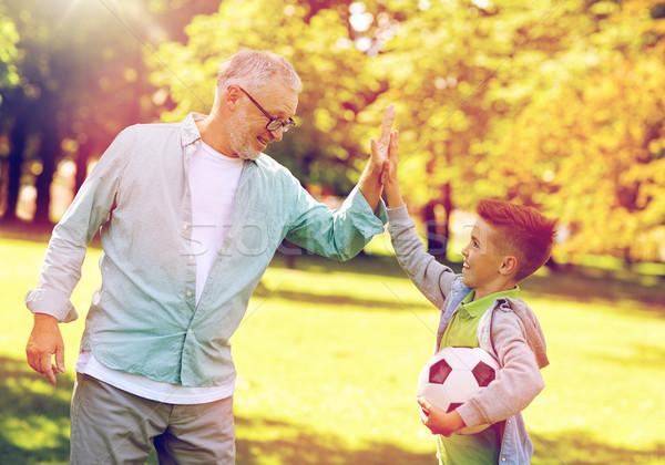 Stok fotoğraf: Yaşlı · adam · erkek · futbol · topu · aile