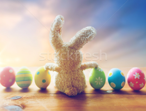 œufs de Pâques jouet lapin Pâques Photo stock © dolgachov