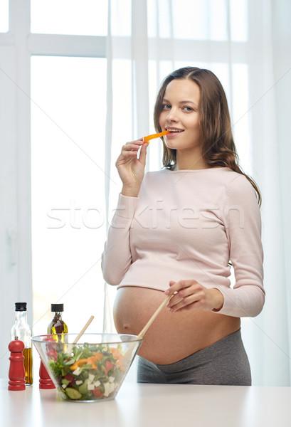 счастливым беременная женщина домой беременности приготовления Сток-фото © dolgachov