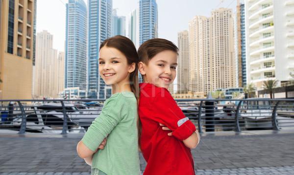 Menina em pé juntos infância viajar Foto stock © dolgachov