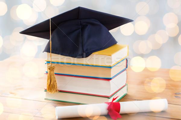 Сток-фото: книгах · диплом · образование · школы · окончания