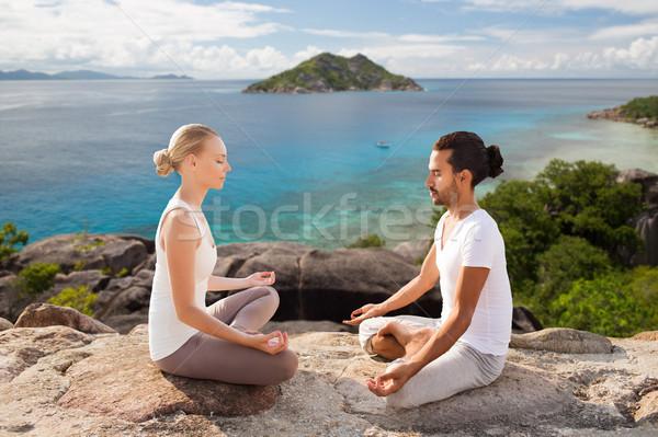 Szczęśliwy para jogi odkryty fitness Zdjęcia stock © dolgachov