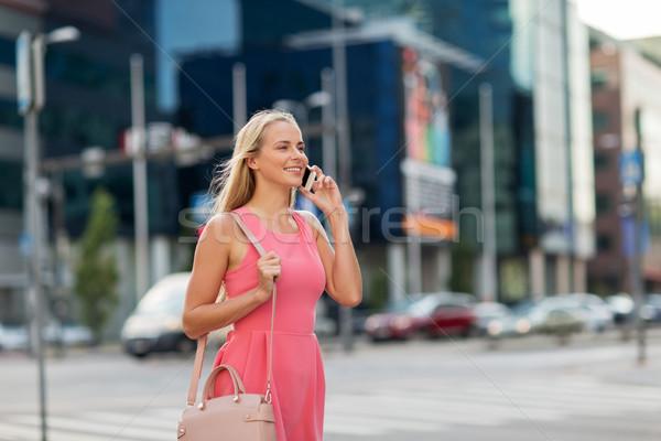 幸せ 笑顔の女性 呼び出し スマートフォン 市 通信 ストックフォト © dolgachov
