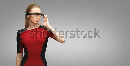 Güzel bir kadın sanal gerçeklik 3d gözlük bilim teknoloji Stok fotoğraf © dolgachov