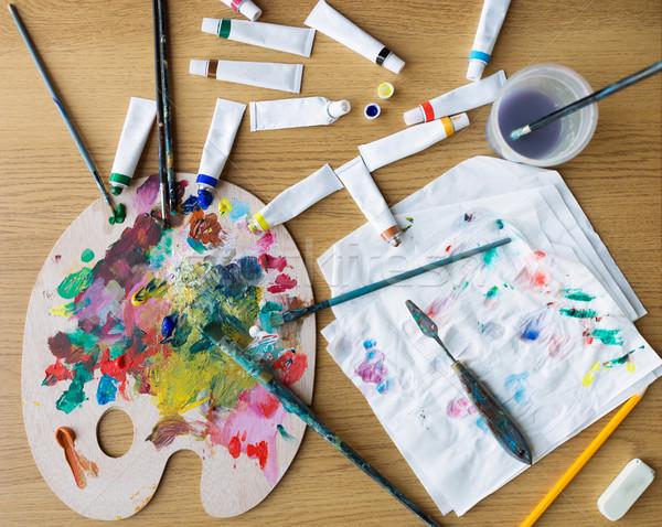 Palette couteau peinture table Photo stock © dolgachov
