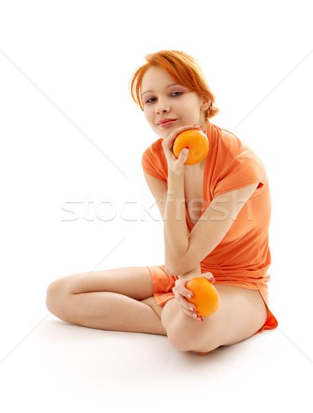 Stock fotó: Derűs · vörös · hajú · nő · kettő · narancsok · kép · fehér