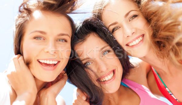 Dziewcząt twarze patrząc w dół lata wakacje wakacje Zdjęcia stock © dolgachov
