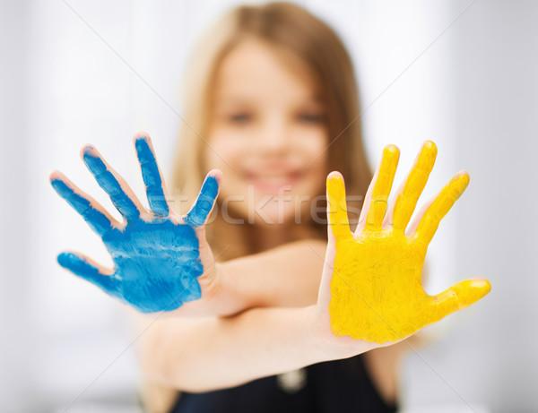 Nina pintado manos educación escuela Foto stock © dolgachov