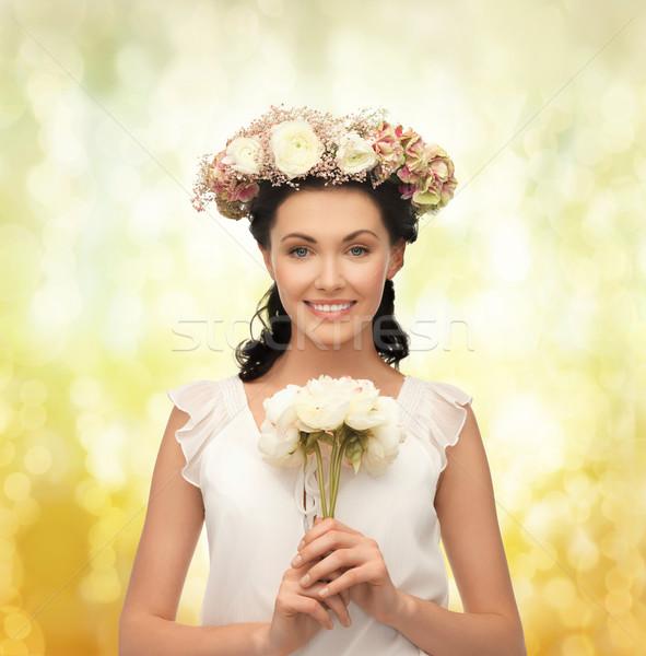Femme couronne fleurs jeune femme bouquet Photo stock © dolgachov