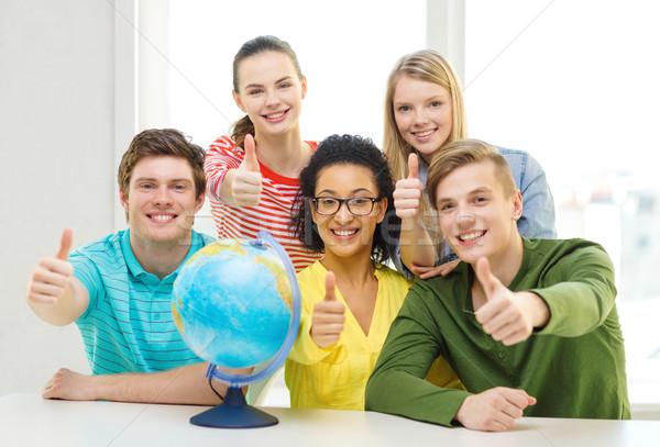 Сток-фото: пять · улыбаясь · студент · земле · мира · школы