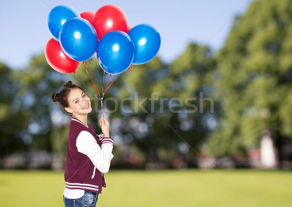 Feliz hélio balões pessoas adolescentes Foto stock © dolgachov