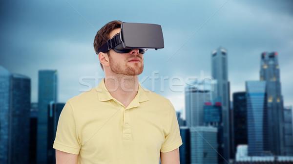 Man virtueel realiteit hoofdtelefoon 3d-bril 3D Stockfoto © dolgachov