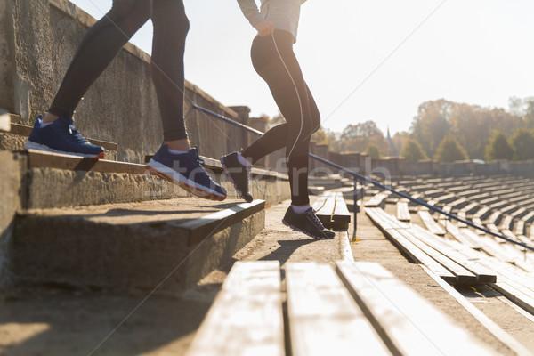 Casal corrida estádio fitness esportes Foto stock © dolgachov