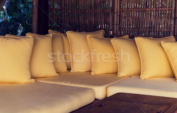 Sofá hotel terraço conforto lazer Foto stock © dolgachov