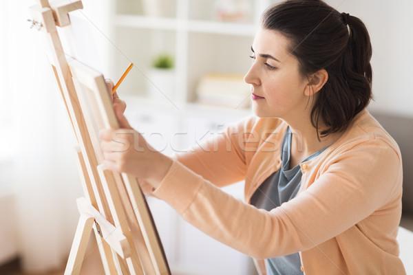 Artysty farbują rysunek zdjęcie sztuki studio Zdjęcia stock © dolgachov