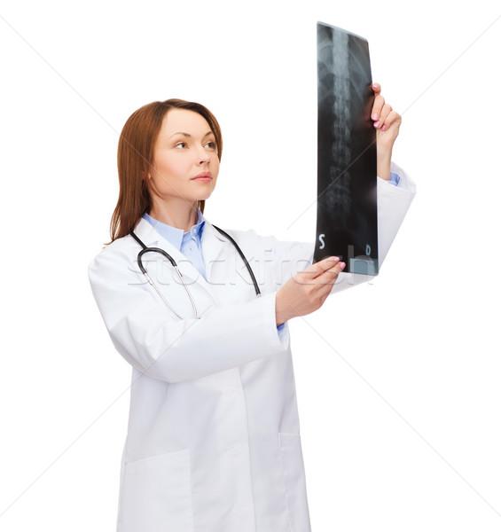 Сток-фото: серьезный · женщины · врач · глядя · Xray · здравоохранения