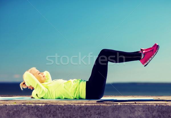 女性 スポーツ 屋外 スポーツ ライフスタイル ボディ ストックフォト © dolgachov