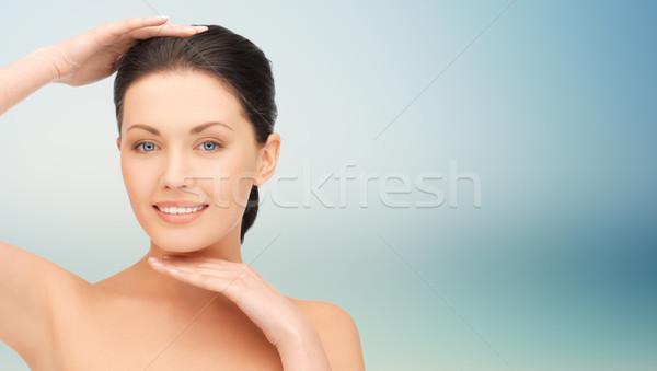 Hermosa tocar cara barbilla belleza Foto stock © dolgachov