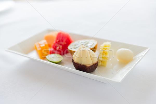 Plaque fraîches juteuse fruits dessert restaurant Photo stock © dolgachov
