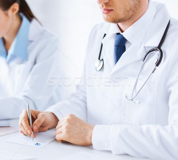 Medico infermiera iscritto prescrizione carta foto Foto d'archivio © dolgachov