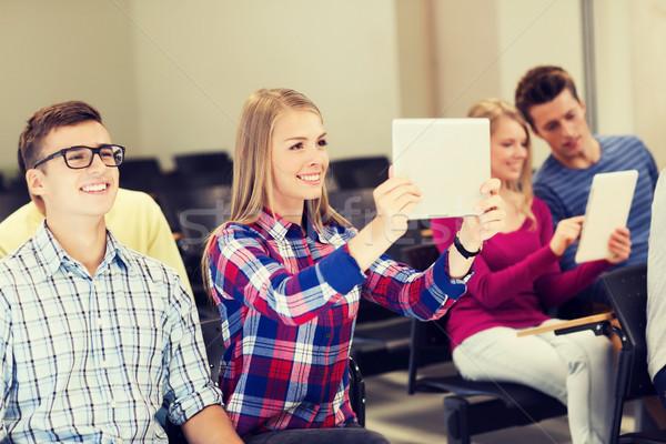 Groupe souriant élèves éducation lycée Photo stock © dolgachov