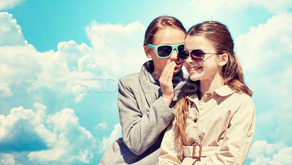 Boldog lány suttog titok barátok fül emberek Stock fotó © dolgachov