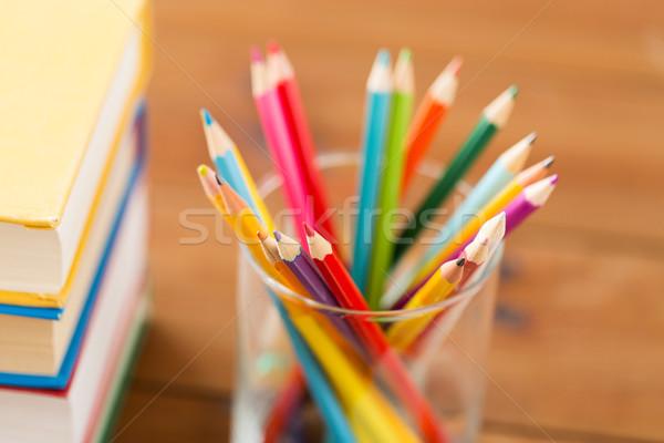 Boya kalemleri renk kalemler kitaplar eğitim Stok fotoğraf © dolgachov